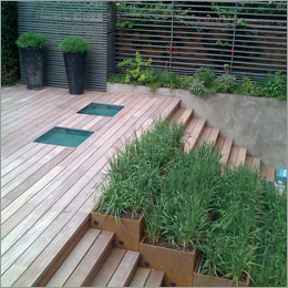 P205 - hardwood deck and steps